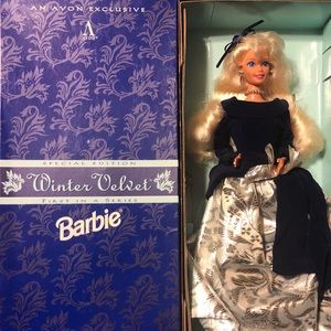 1995 Avon winter velvet Barbie